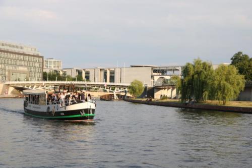 Partyschiff MS Vera in der Berliner Innenstadt