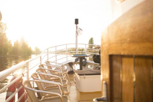 Das Vorschiff im Sonnenuntergang